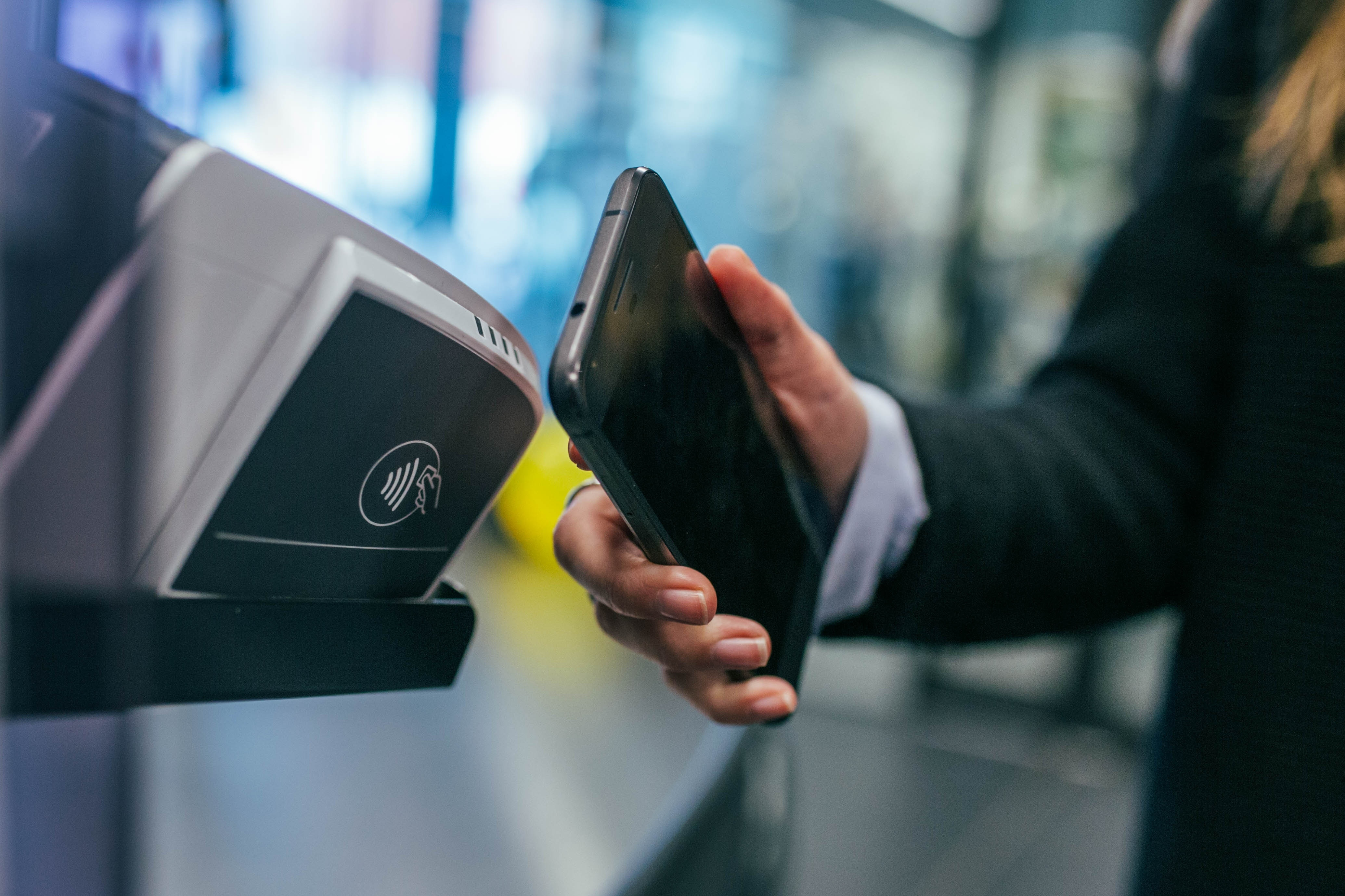 Standing on the shoulders of (payment) giants: Payment Solutions for the Internet of Things